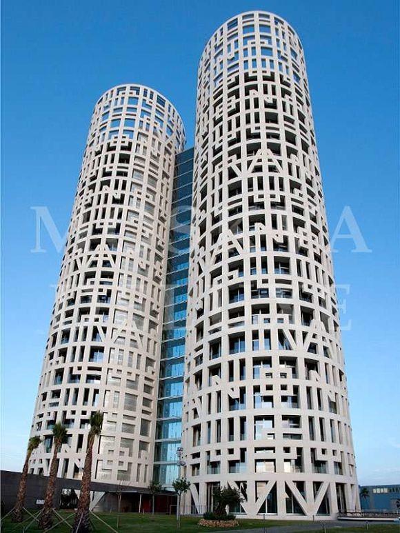 Torres de Hercules (Геркулесовы Столпы) - самые красивые небоскребы по версии The Emporis Awards