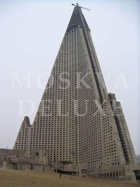 Ryugyong Hotel, Северная Корея - 10 заброшенных небоскребов мира
