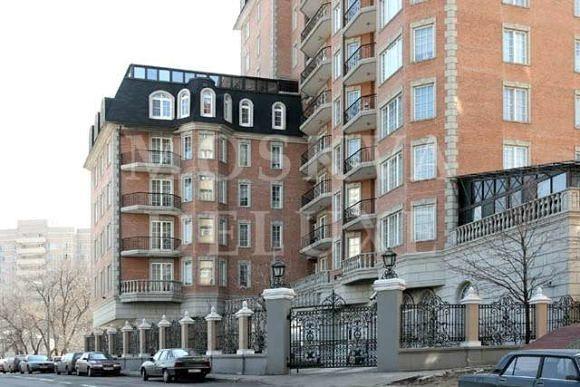 Рынок элитной недвижимости начинался с Мансард, первый элитные дома в Москве - «Агаларов хаус»