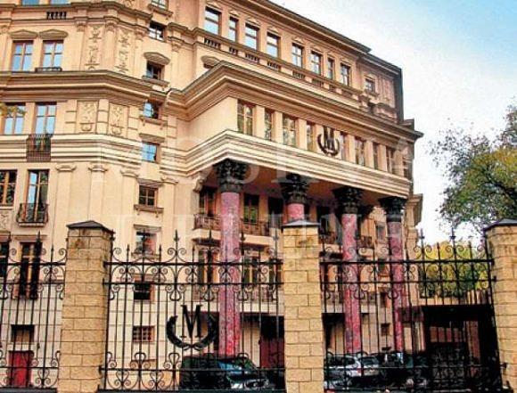 Квартира в жилом комплексе «Монолит» (девятое место в рейтинге), площадь квартиры — 330 кв. м, цена — за 4,8 млн $