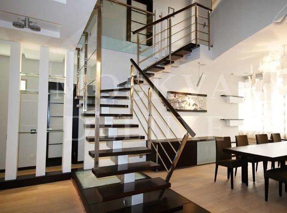 Двухэтажные квартиры в Москве