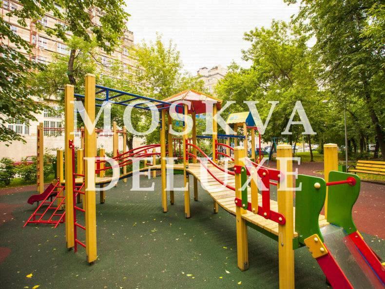 Фото детской площадки жилого комплекса Knightsbridge Private Park
